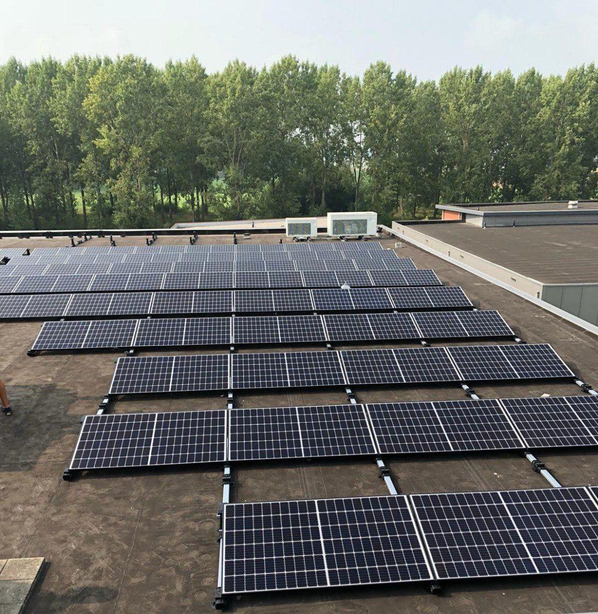 zonnepanelen bij van Zelst Roosendaal